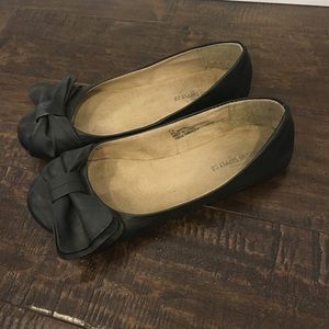 3/$15 Women's Black Flats